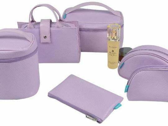 2eb2f4632 ... bolsos para maquillaje y estuches de maquillaje. Todos los productos  donde guardar el maquillaje están reunidos en el catálogo de Bull Estética  para que ...